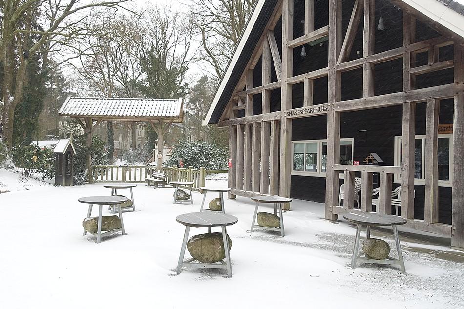 Theater in de sneeuw